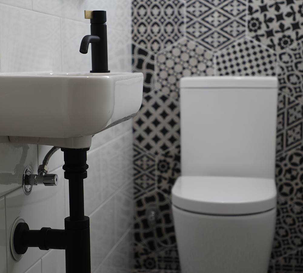 https://cankit.com.au/wp-content/uploads/2019/09/bathroom-renovation-canberra.jpg